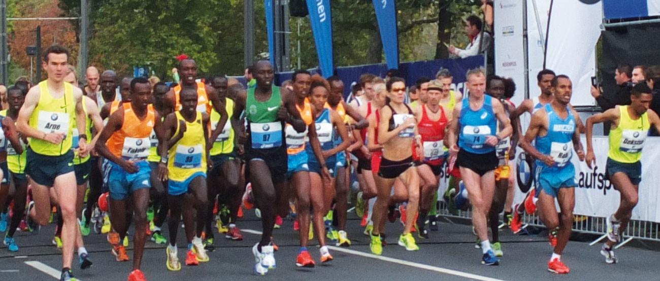 Die Eliteläufer des Frankfurt Marathon 2014: Links im Bild Arne Gabius